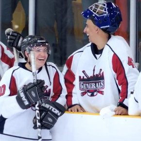 Budweiser : un match de hockey amateur transformé en match de NHL !