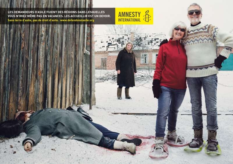 llllitl-amnesty-international-publicité-print-la-chose-droit-d'asile-touristes-avril-2012