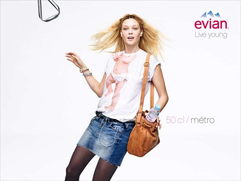 llllitl-evian-live-young-publicité-print-bébé-babies-tshirt-betc-euro-rscg-avril-2012-2