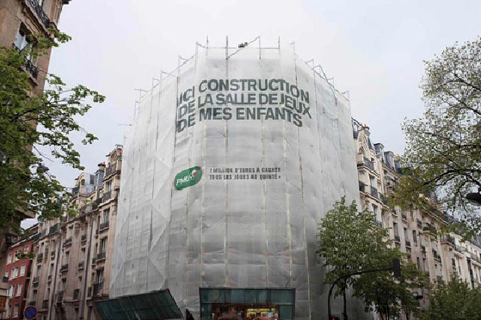 llllitl-pmu-quinté-plus-tiercé-chevaux-courses-hippiques-affichage-géant-chantiers-travaux-échafaudages-paris-ambient-marketing-publicis-conseil-mai-2012