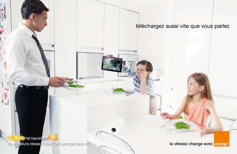 llllitl-orange-publicité-fibre-connexion-4G-rapidité-téléchargement-télécharger-télécom-publicis-conseil-juin-2012-3