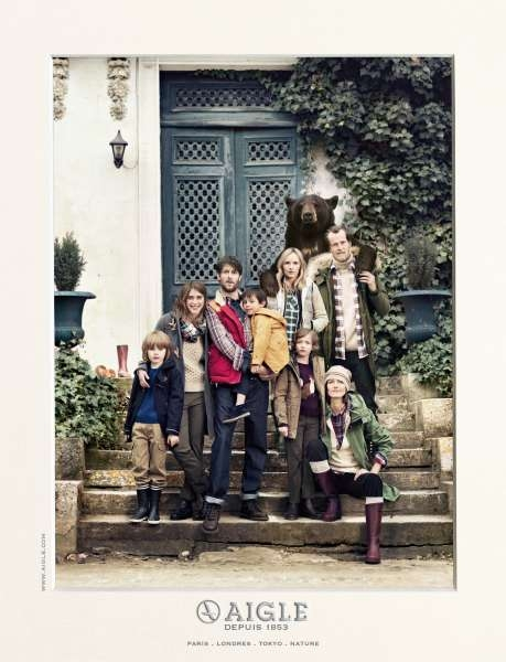 llllitl-aigle-bottes-vêtements--fashion-outlet-ours-publicité-print-photo-de-famille-betc-euro-rscg-septembre-2012