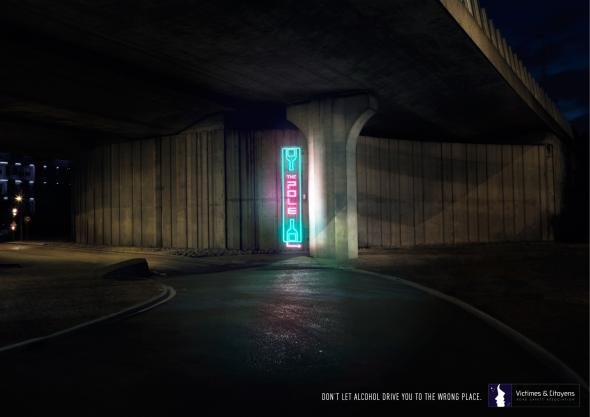 llllitl-association-victimes-et-citoyens-publicité-print-alcool-au-volant-dont-text-and-drive-the-tree-the-pole-the-wall-therail-the-pilar-advertising-non-profit-agence-betc-paris