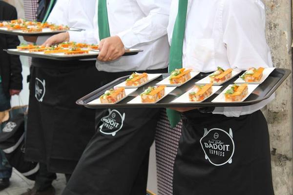 llllitl-badoit-street-marketing-publicité-fête-gastronomie-2013-rue-de-rivoli-paris-chef-thierry-marx-cuisine-créatif-eau-gazeuse-bulles-agences-ubi-bene-elan