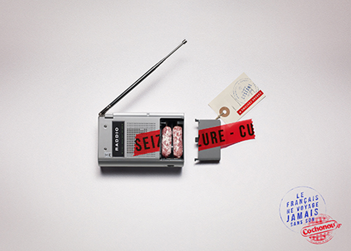 cochonou-publicité-saucisson-douanes-produit-interdit-marketing-affiche-français-voyage-sans-agence-young-rubicam-5