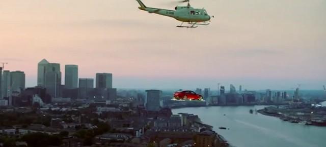 Jaguar : une voiture volante au dessus de Londres fait sensation