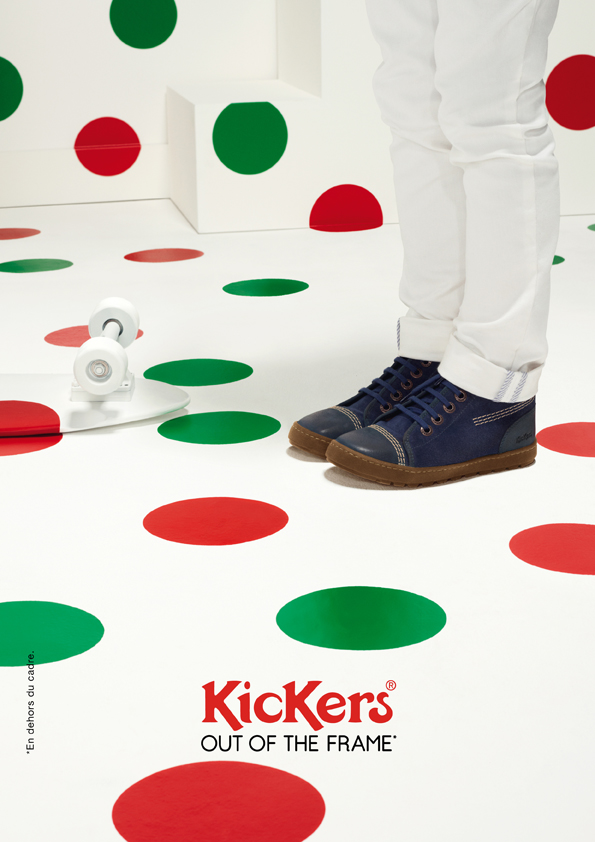 kickers-publicité-marketing-affiches-prints-rouge-vert-chaussures-homme-femme-enfant-out-of-the-frame-agence-la-chose-paris-2