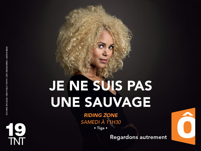 france-ô-publicite-marketing-affiches-television-tnt-chaine-19-animateurs-presentateurs-programme-tv-agence-regardons-autrement-bold-3