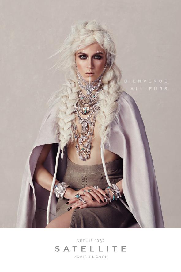 satellite-bijoux-publicite-marketing-communication-luxe-voyage-bienvenue-ailleurs-femmes-agence-young-rubicam-paris-thelma