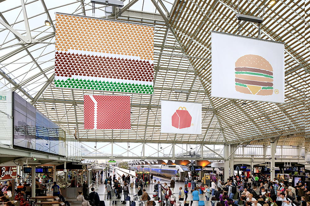 mcdonalds-publicité-marketing-affichage-print-pictogram-big-mac-happy-meal-frites-sundae-tbwa-paris-6