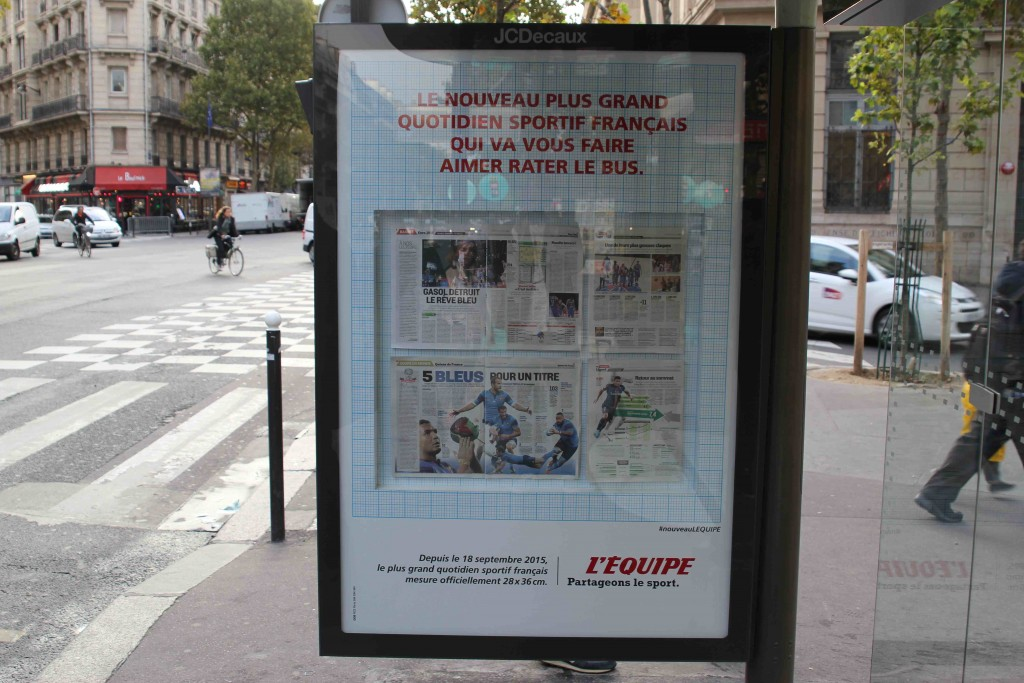 lequipe-journal-publicite-bus-taille-format-tabloid-septembre-2015-nouveau-plus-grand-quotidien-francais-ddb-paris-2