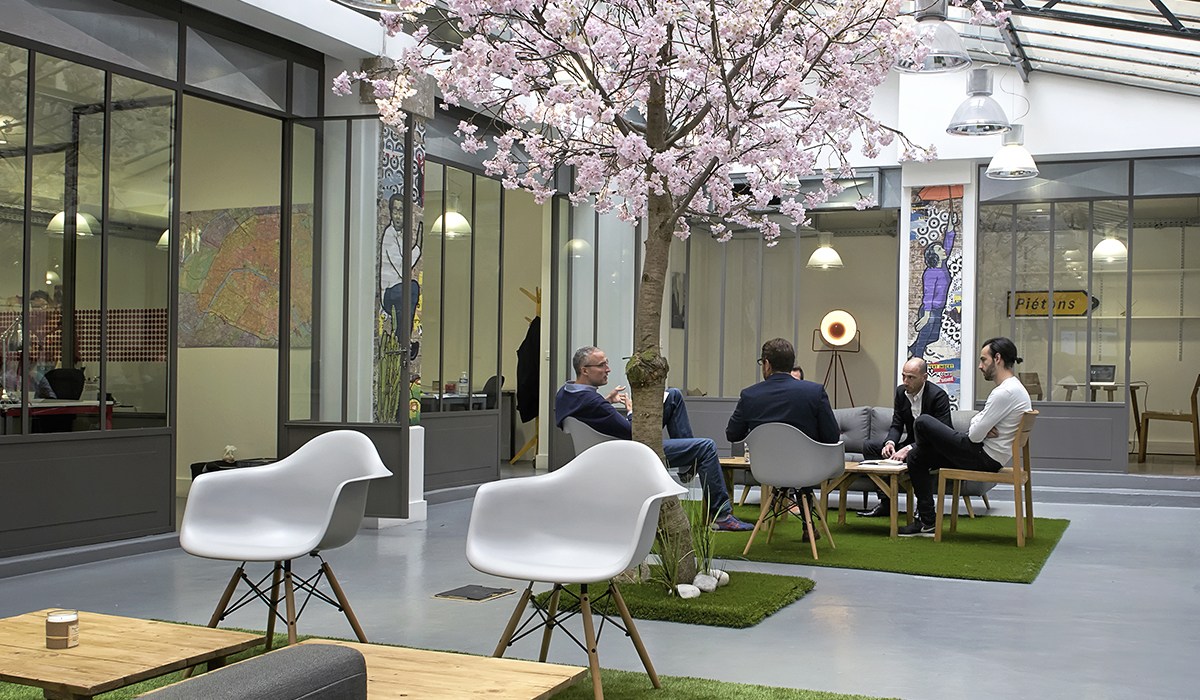 bureaux-agence-publicite-evenementiel-digital-les-pietons-jay-walker-paris-11