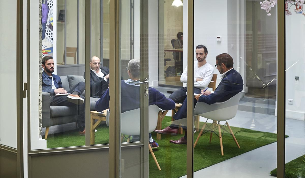 bureaux-agence-publicite-evenementiel-digital-les-pietons-jay-walker-paris-13