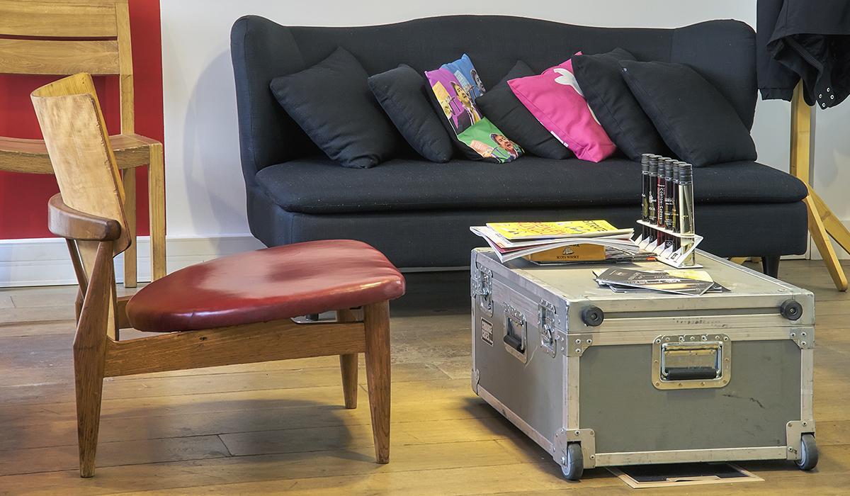 bureaux-agence-publicite-evenementiel-digital-les-pietons-jay-walker-paris-7