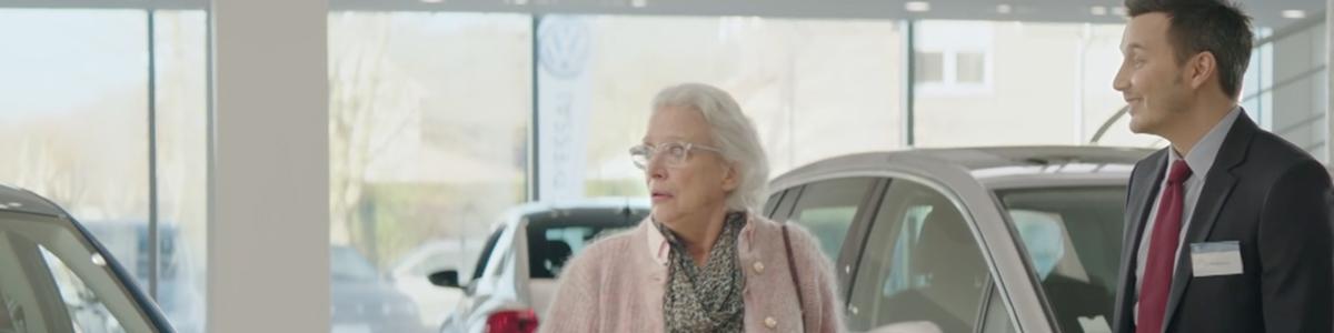 volkswagen-publicite-2016-papa-pere-mamie-vendeur-ddb-paris-1