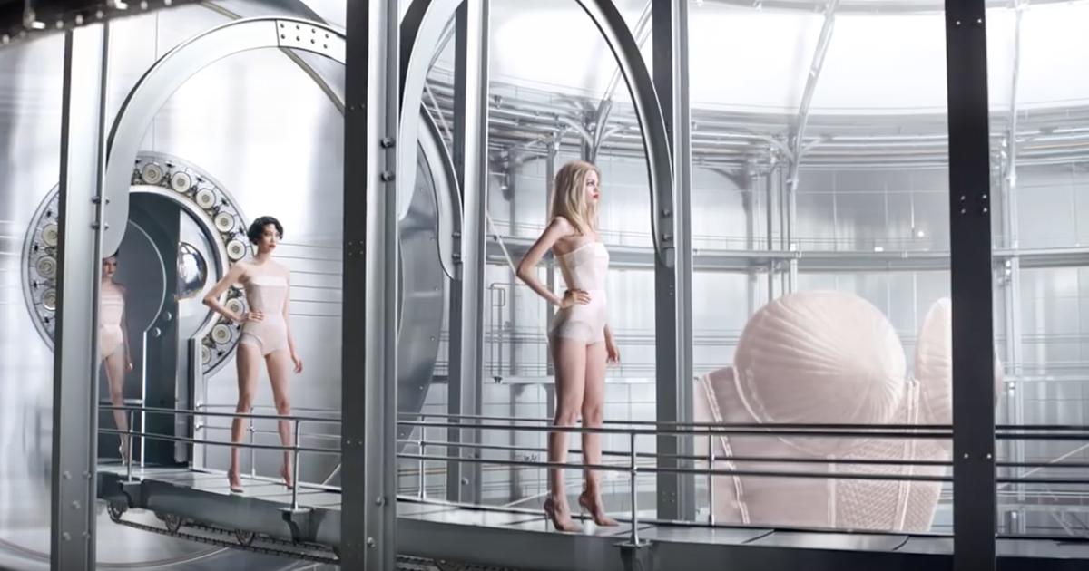 jean-paul-gaultier-publicite-le-male-classique-parfums-2016-agence-mazarine-you-to-you-3