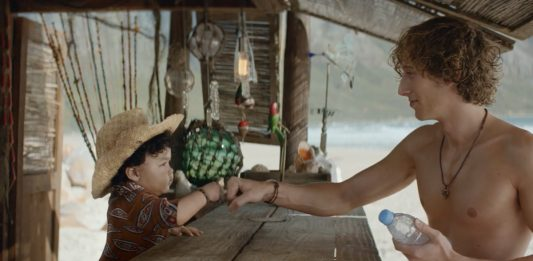 evian-baby-bay-bebes-surfers-publicite-betc