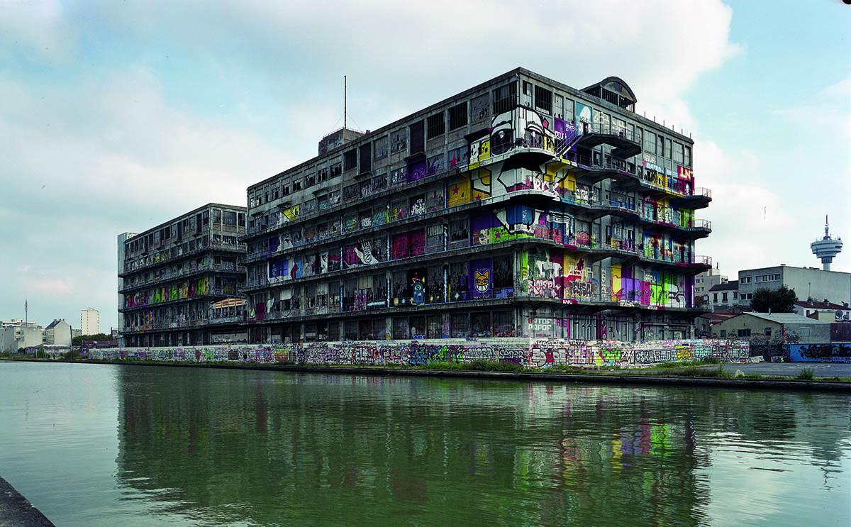 betc-pantin-magasins-generaux-paris-bureaux-agence-publicite-photos-havas-2003-graffiti-general