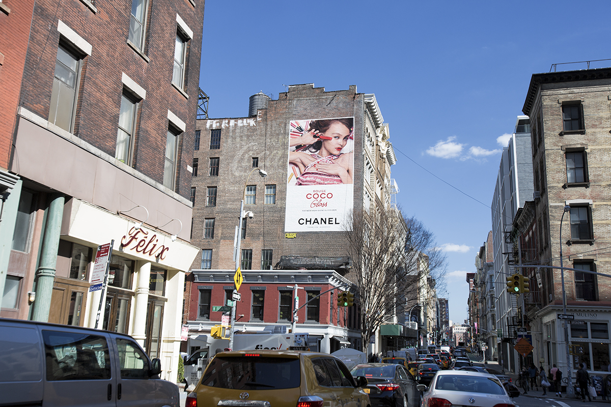 colossal-media-paint-ads-outdoor-advertising-nyc-brooklyn-chanel-coco-lily-rose-depp-2