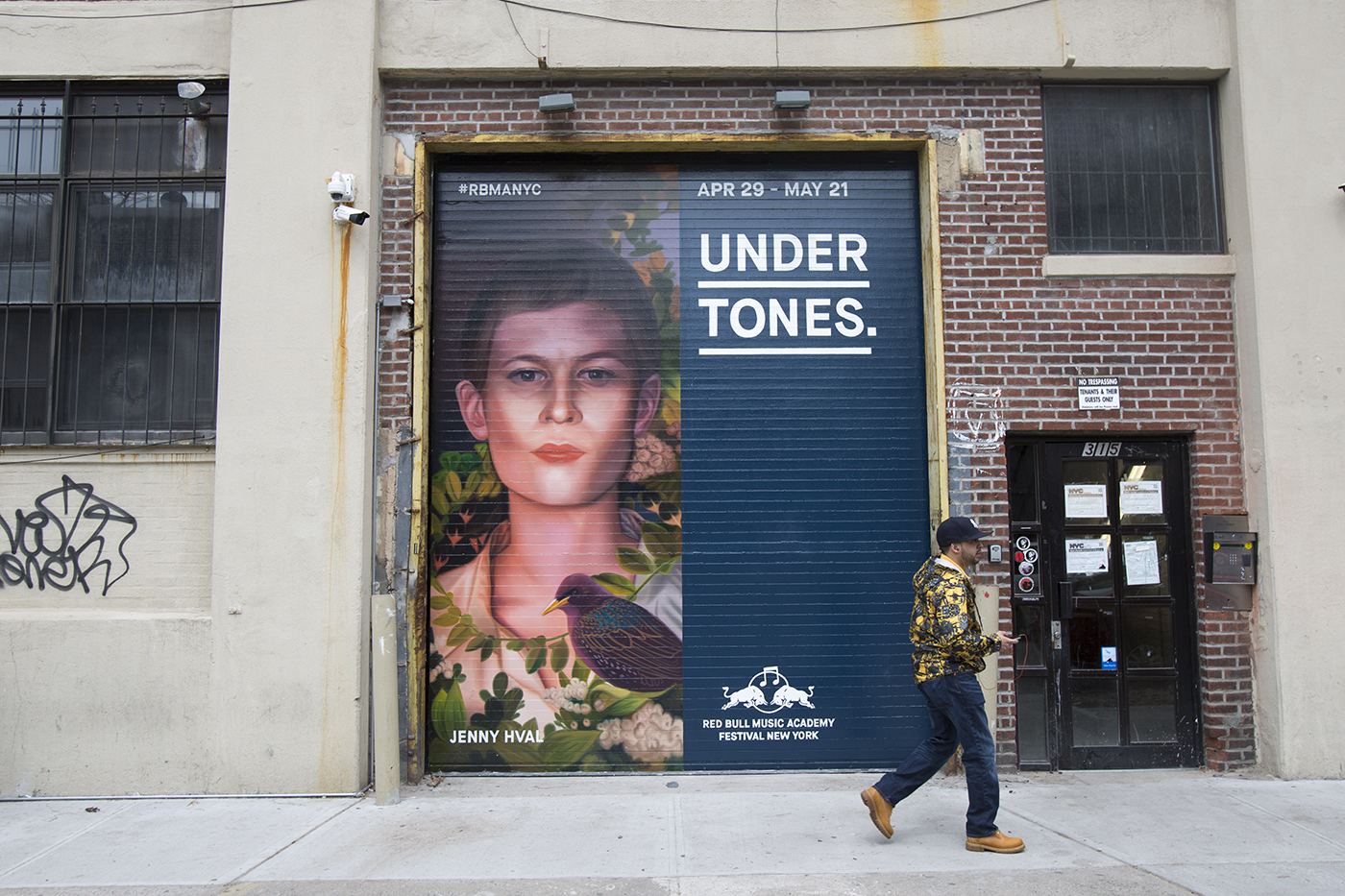 colossal-media-paint-ads-outdoor-advertising-nyc-brooklyn-rbma-red-bull-music-academy-2