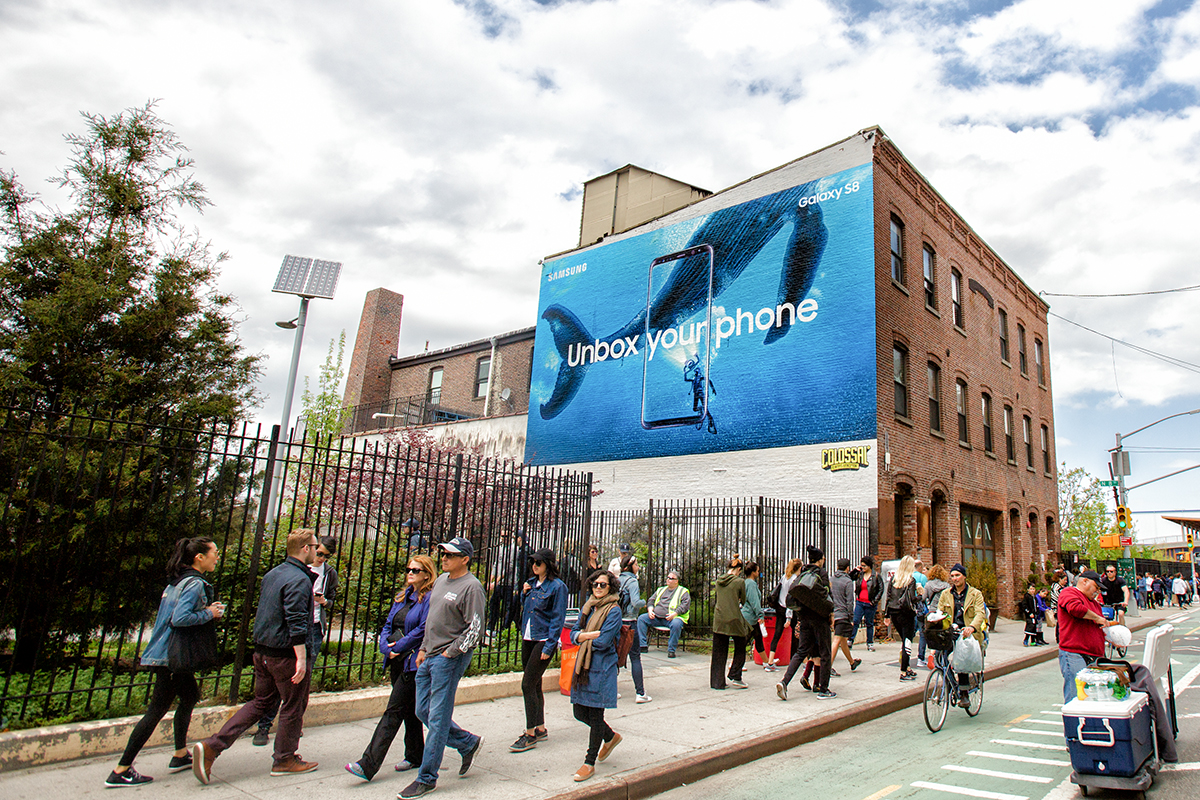 colossal-media-paint-ads-outdoor-advertising-nyc-brooklyn-samsung-unbox-your-phone-2