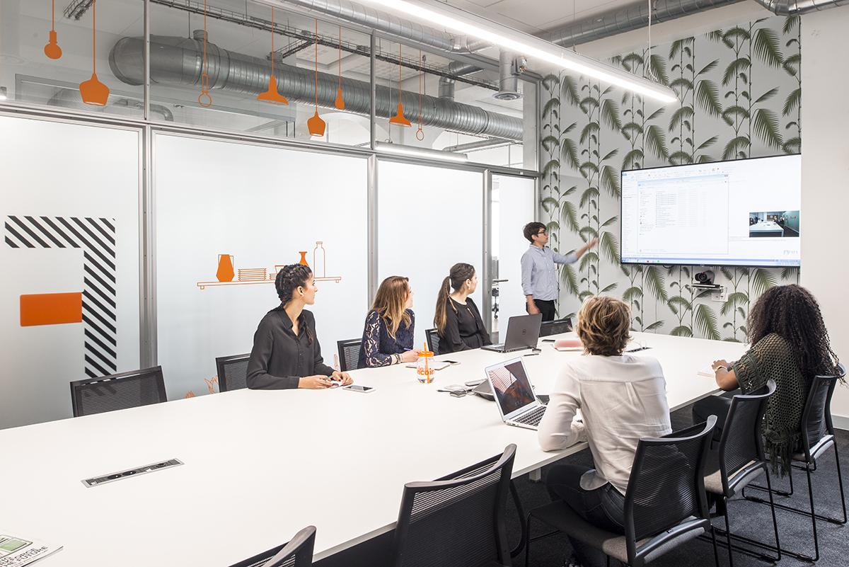 le-bon-coin-paris-bureaux-decoration-mobilier-office-design-colliers-international-9