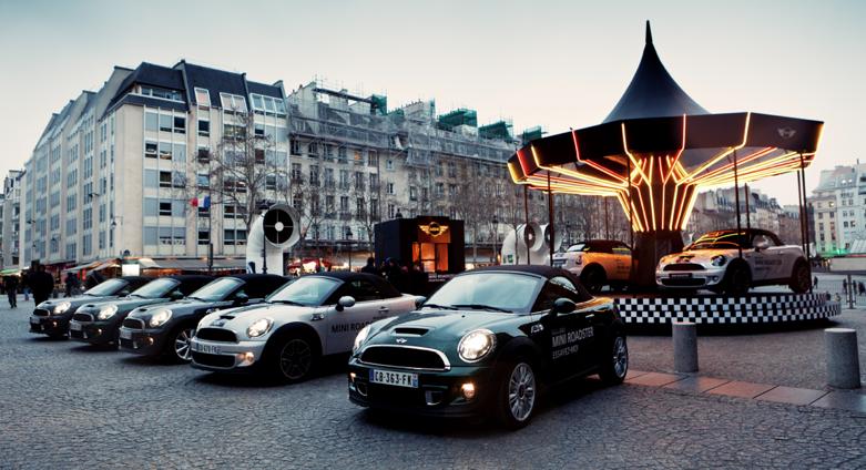 llllitl-mini-france-mini-roadster-manège-caroussel-paris-centre-pompidou-street-marketing-digital-facebook-ticket-qr-code-mini-united-2012
