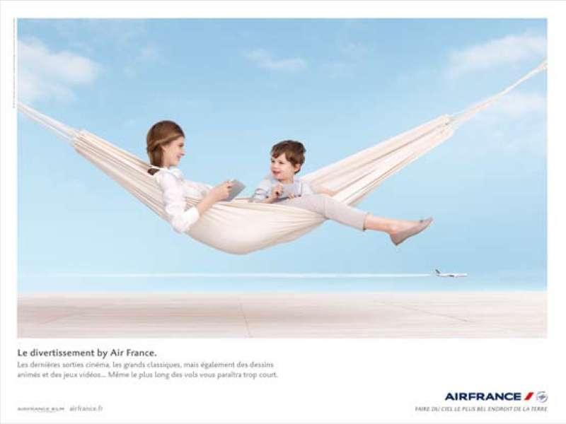 llllitl-air-france-publicité-print-ciel-nuages-hamac-divertissements-agence-betc-euro-rscg