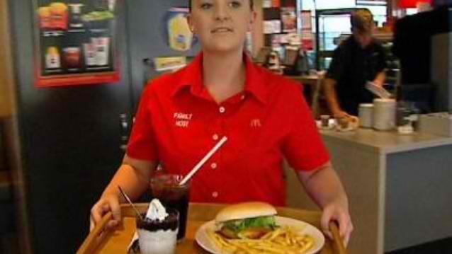 llllitl-mcdonalds-maccas-australie-australia-warilla-fast-food-revolution-innovation-restaurant-burgers-sidney-glenn-dwarte-katia-dwarte-franchise