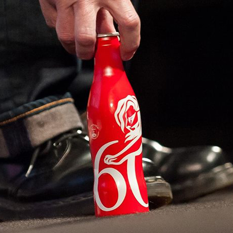 llllitl-coca-cola-cannes-lions-festival-2013-cans-cannettes-limited-edition-best-ads-most-creative-commercials-publicités-créatives-originales-opération-marketing-stunt-street-marketing-sharing-happiness-ogilvy.jpg