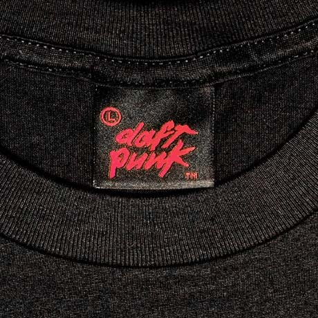 daft-punk-publicité-merchandising-marketing-get-lucky-tee-tshirt-men-ram-random-access-memories-3