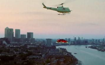 jaguar-xe-voiture-volante-londres-buzz-marketing-automobile-uk-2