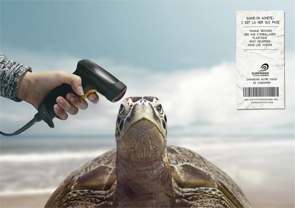 Surfrider-foundation-publicite-marketing-nature-mer-plage-quand-on-achete-la-mer-qui-trinque-paie-changeons-notre-facon-de-consommer-agence-young-rubicam-paris-3