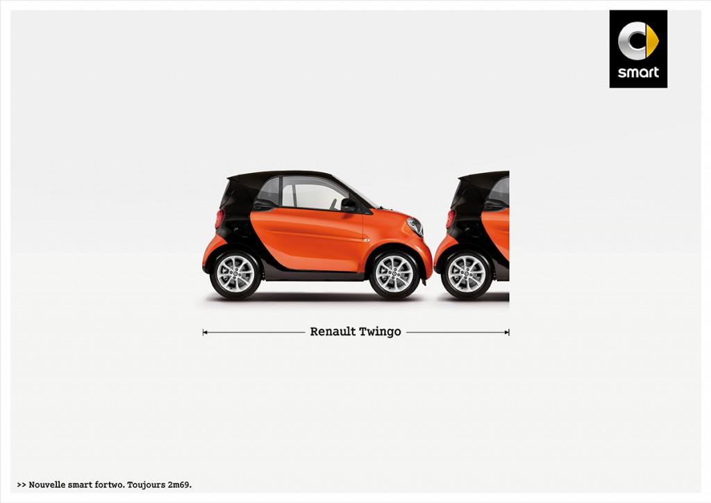 smart-fortwo-publicité-marketing-affiche-print-petite-voiture-publicité-comparative-taille-2m69-renault-volkswagen-toyota-fiat-agence-clm-bbdo-2