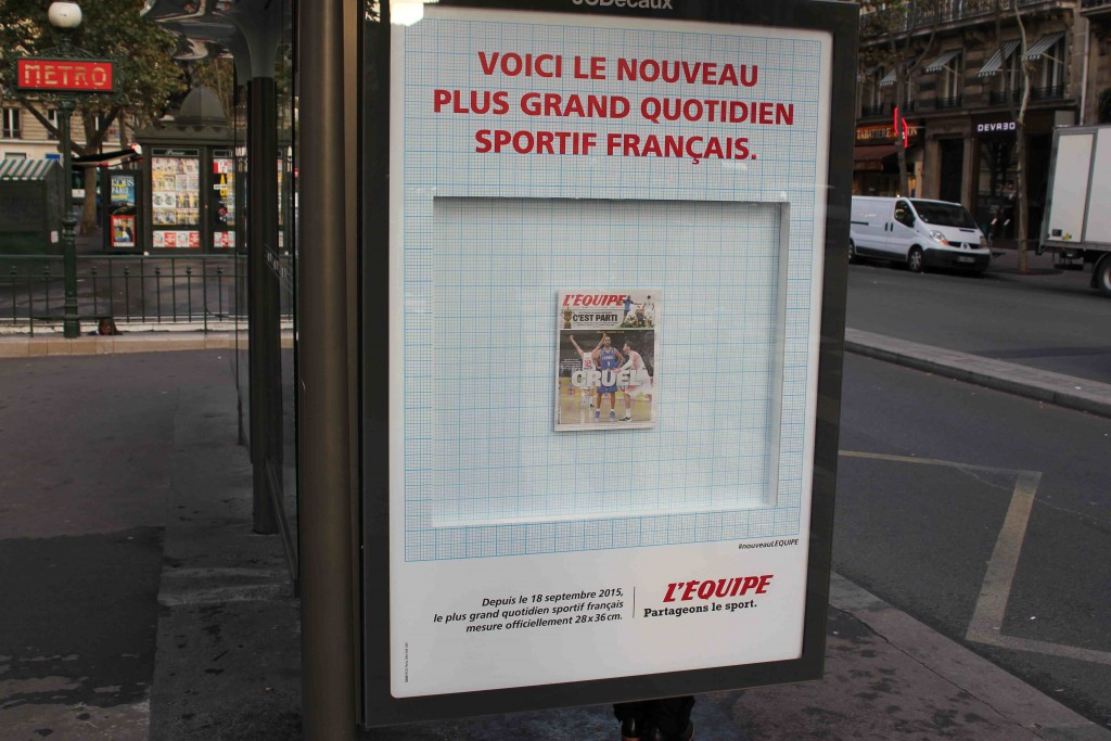 lequipe-journal-publicite-bus-taille-format-tabloid-septembre-2015-nouveau-plus-grand-quotidien-francais-ddb-paris-1