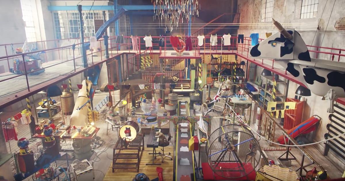 petit-bateau-vetements-enfants-publicite-marketing-mini-factory-usine-jouets-2015-agence-betc-2