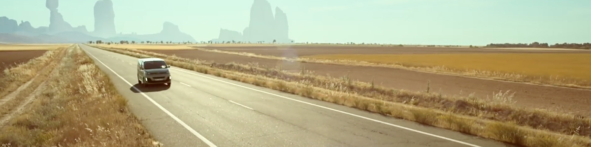 citroen-spacetourer-naive-new-beaters-heal-tomorrow-road-trip-desert-agence-les-gaulois-1