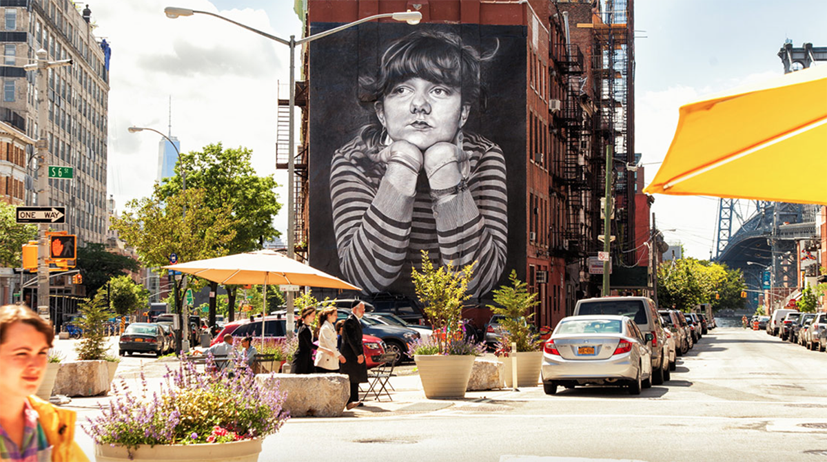 colossal-media-hand-paint-street-art-scholastic-art-writing-the-mona-lisa-of-brooklyn