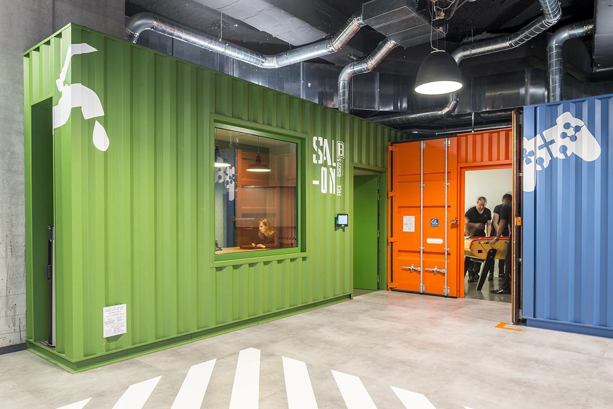 le-bon-coin-paris-bureaux-containers-office-design-colliers-international-1