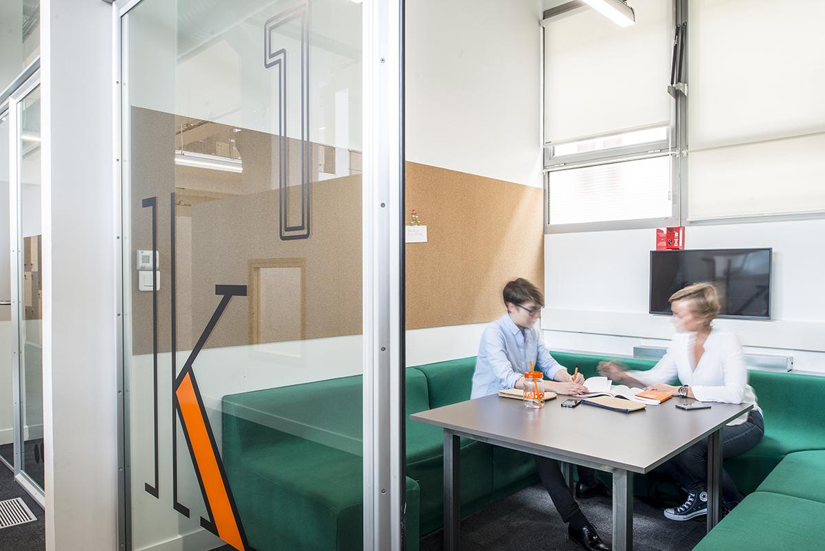 le-bon-coin-paris-bureaux-decoration-mobilier-office-design-colliers-international-4