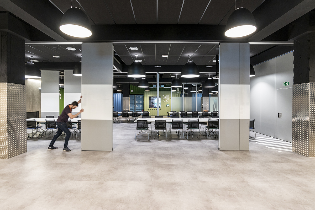 le-bon-coin-paris-bureaux-reception-industriel-office-design-colliers-international-6