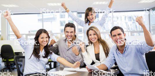 travailler-dans-la-communication-rend-heureux-1