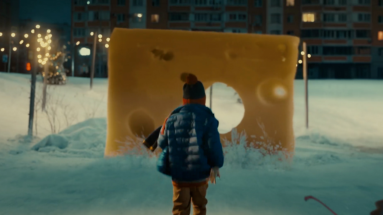 ikea-ad-commercial-christmas-new-year-2020-waste-throw-away-instinct-bbdo-russia-2