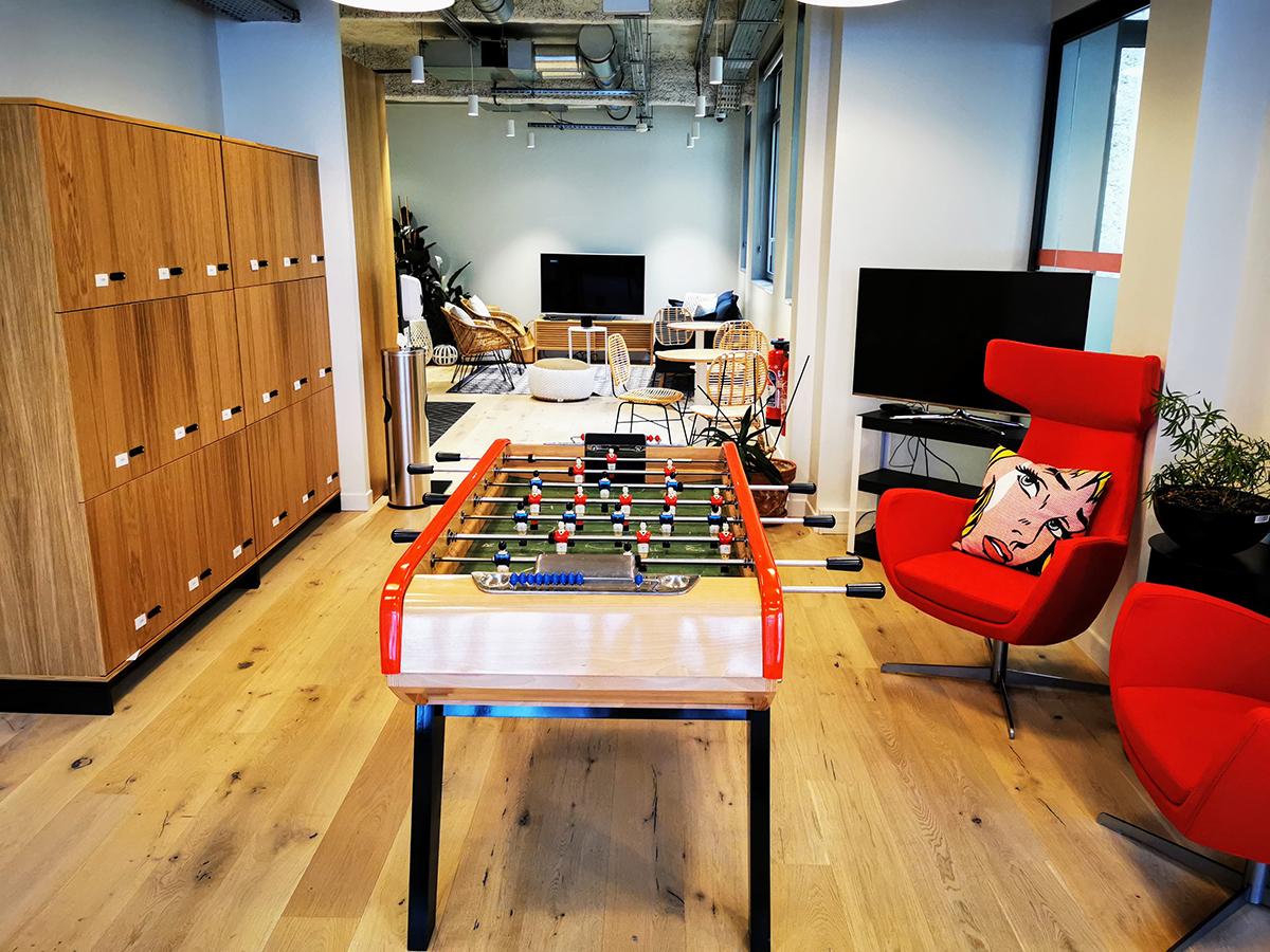 dentsu-france-paris-wagram-bureaux-office-photos-wework-baby-foot-5